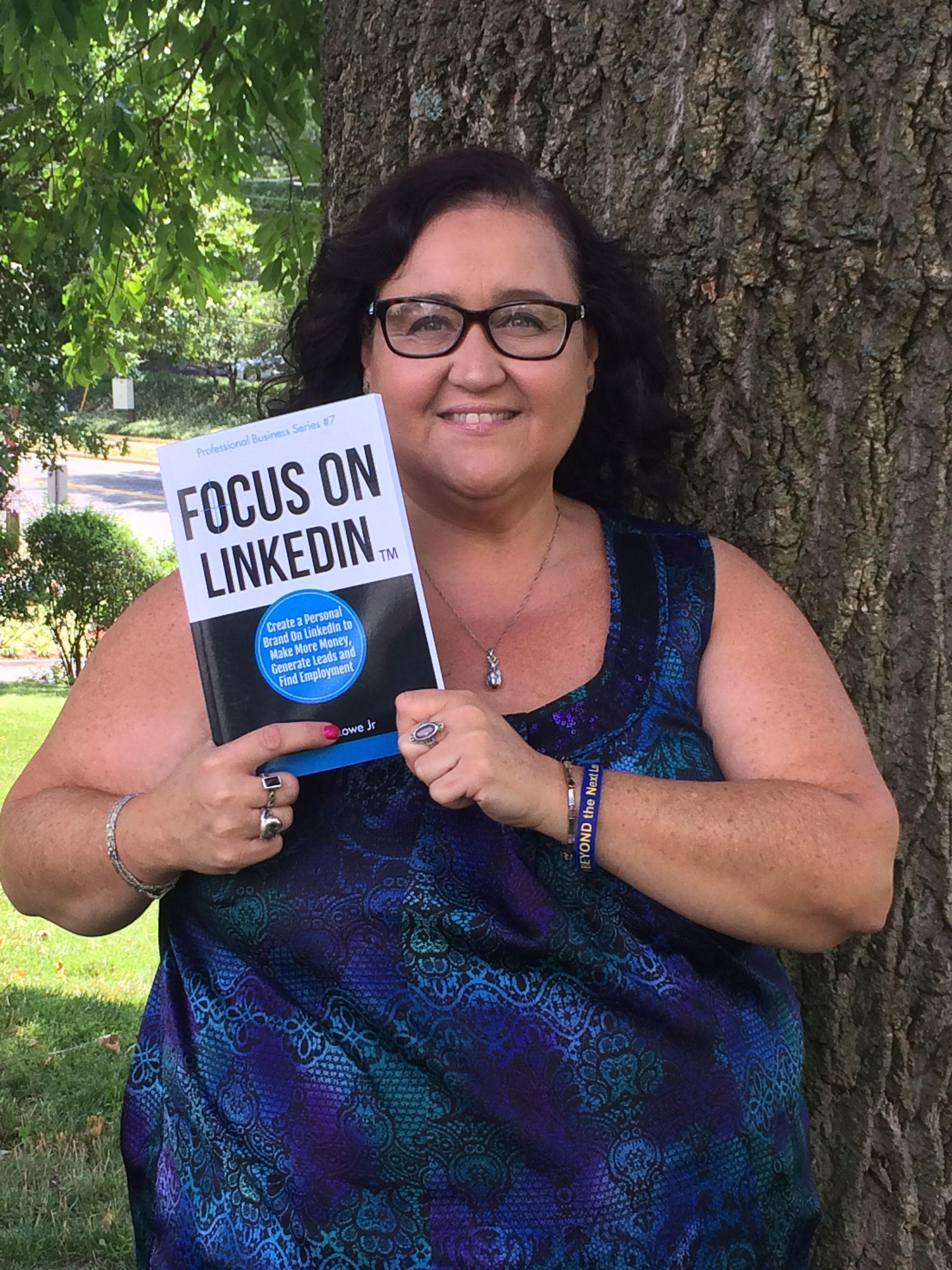Sandra with Focus on Linkedin